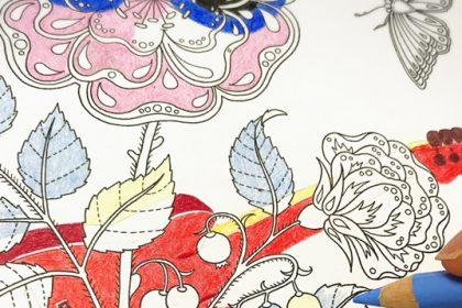 『ひみつの花園』で配色に失敗…?フラワーロックに完成した一輪の花