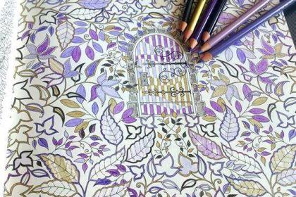 【初級編】葉っぱをハロウィン風に塗るコツは?色鉛筆を限定する塗り方